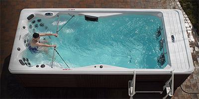 michael phelps hot tub